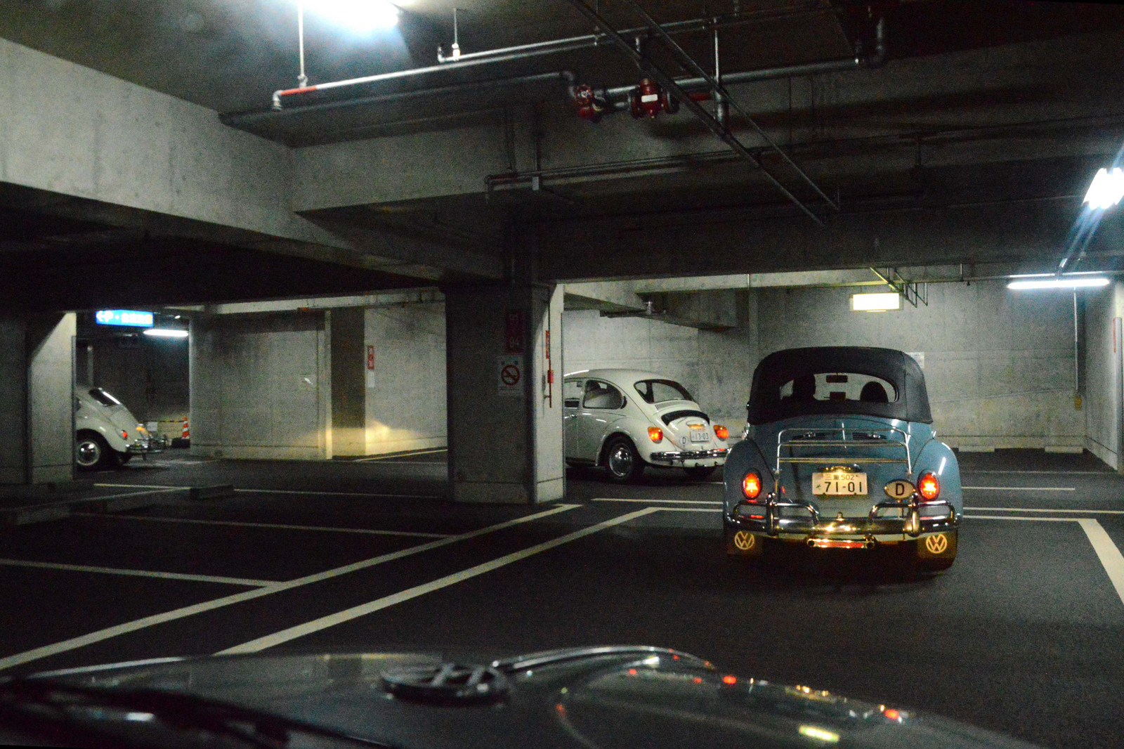 Dsc_0146_vw_out_of_parking