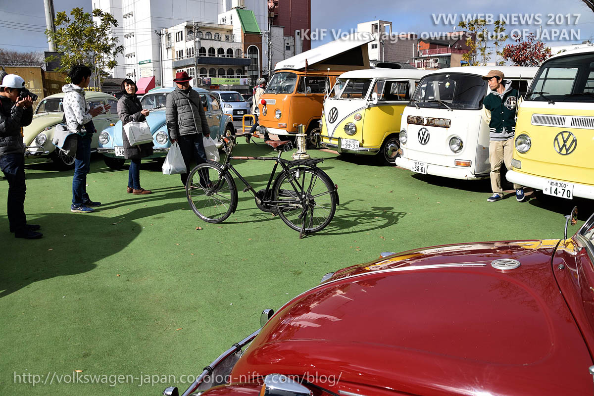 Dsc_0509_old_bicycle_and_old_vws