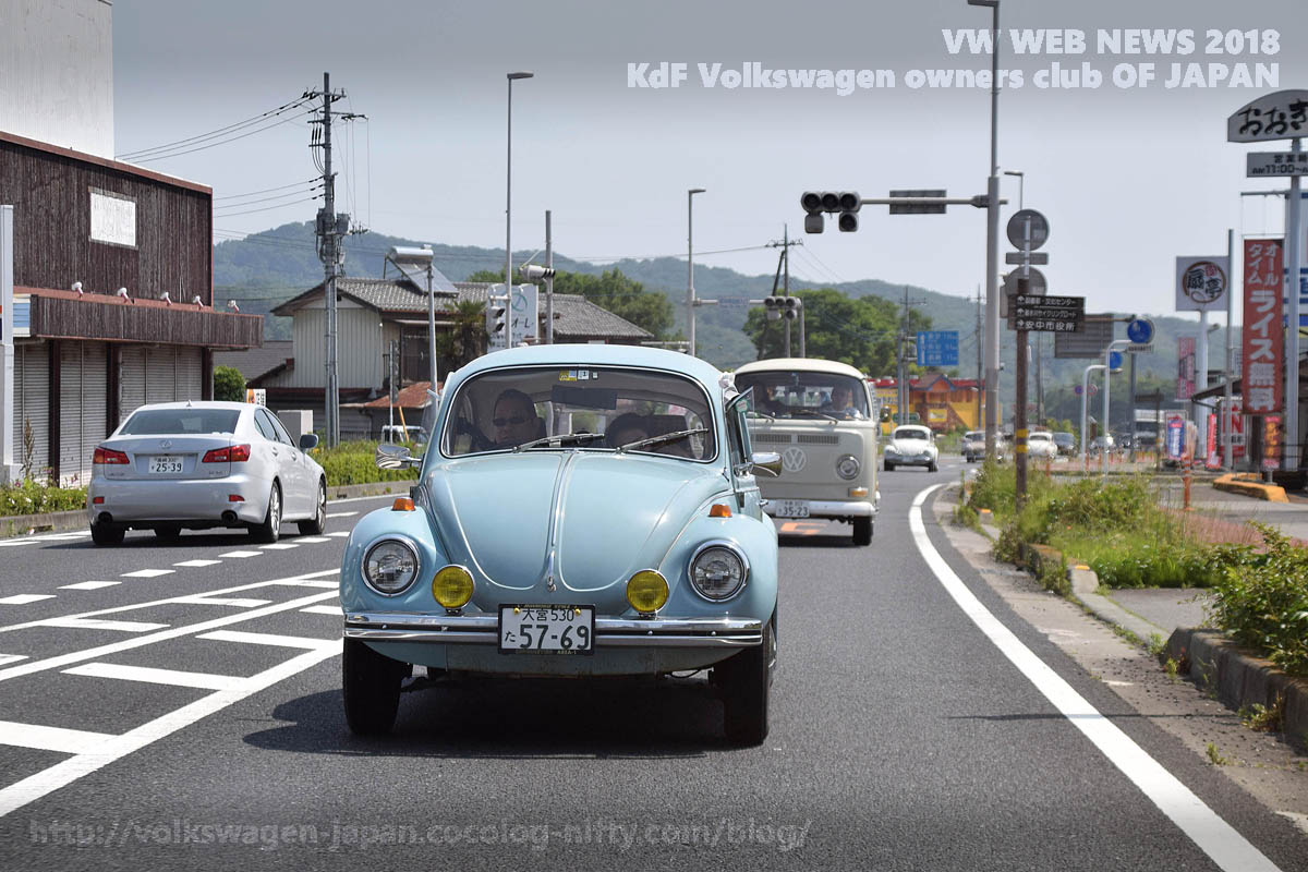 Dsc_0375_1971_vw1302_and_late_bus_r